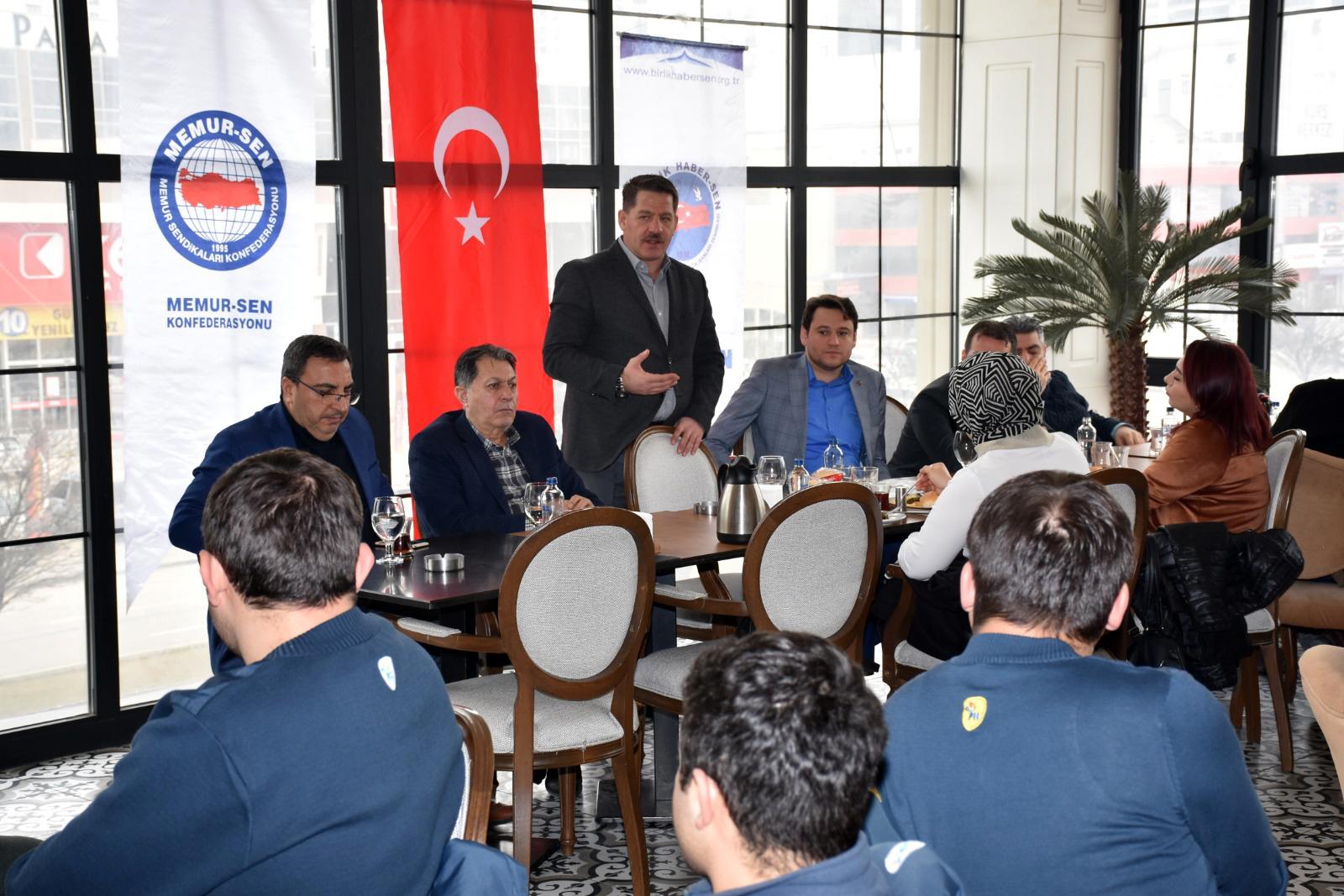 """Ankara 4 Nolu Şube """"Geleneksel Kahvaltı ve İstişare Toplantısı"""" Düzenledi"""