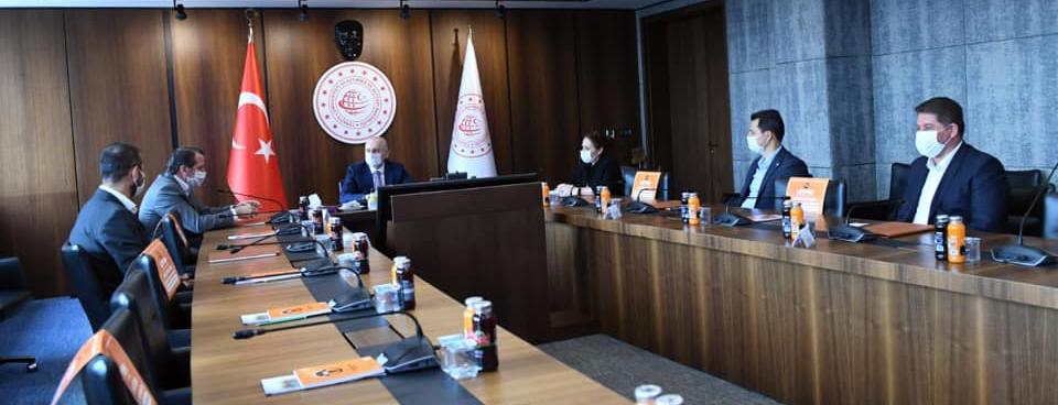 Memur Sen Heyeti Ulaştırma ve Altyapı Bakanını Ziyaret Etti
