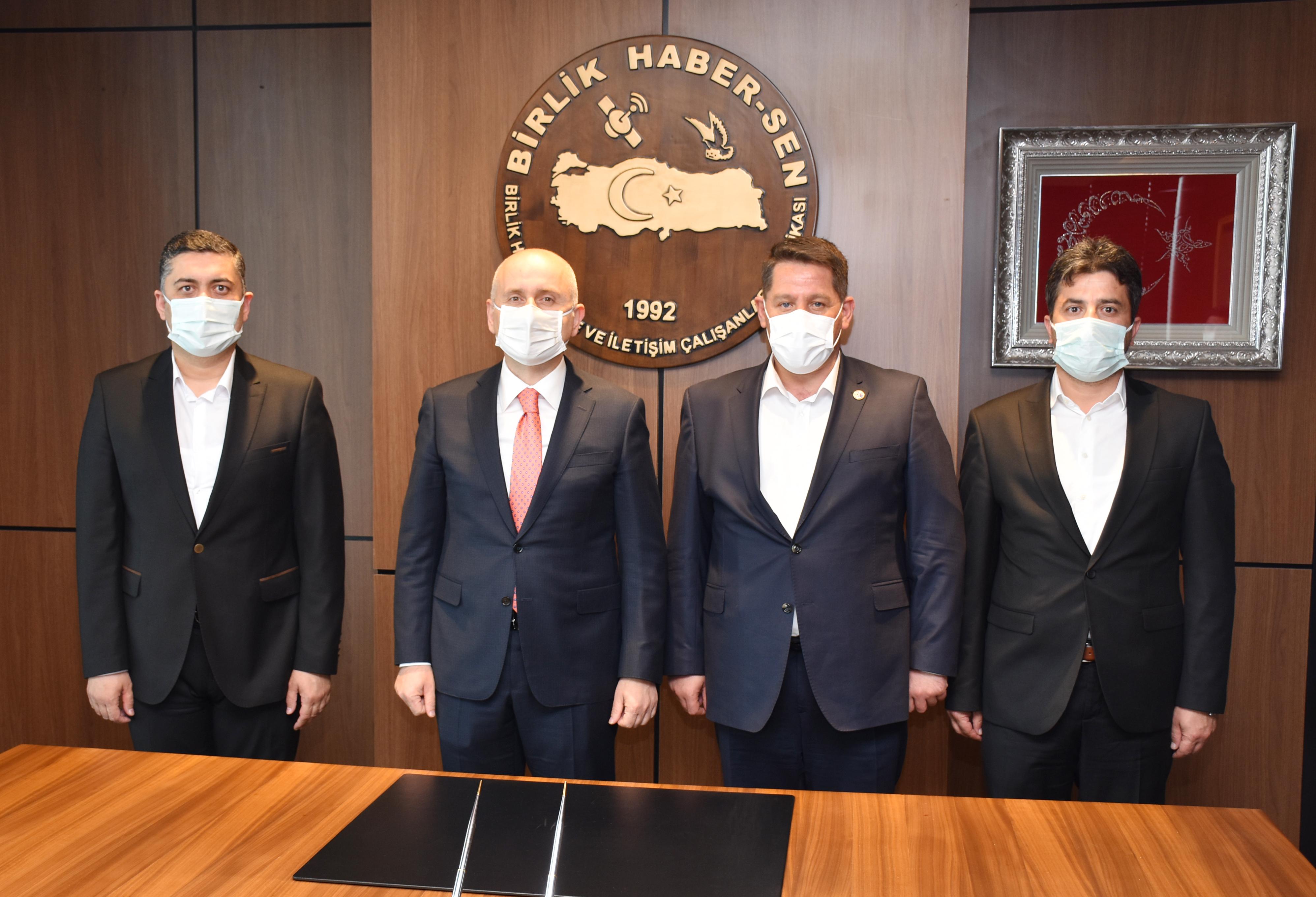 Ulaştırma ve Altyapı Bakanı Karaismailoğlu'ndan Birlik Haber-Sen'e Ziyaret